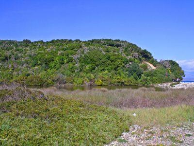 Βρωμολίμνη, Ερημίτης Κέρκυρα
